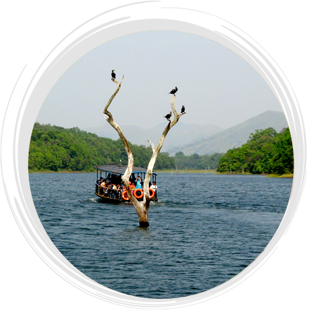 boating_in_holiday_vista_thekkady