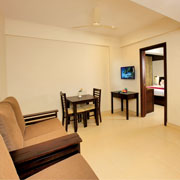 Living_ Area_Diamond_Category_Room_3star_hotel_in_thekkady